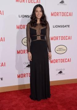 Olivia_Munn_Premiere_Lionsgate_Mortdecai_Arrivals_06iVlOuKiXWx