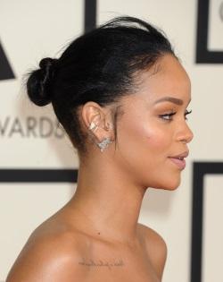 Rihanna_08.02.2015_DFSDAW_020