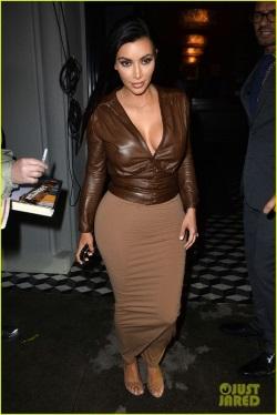 kim-kardashian-supports-bruce-jenner-01-468x700