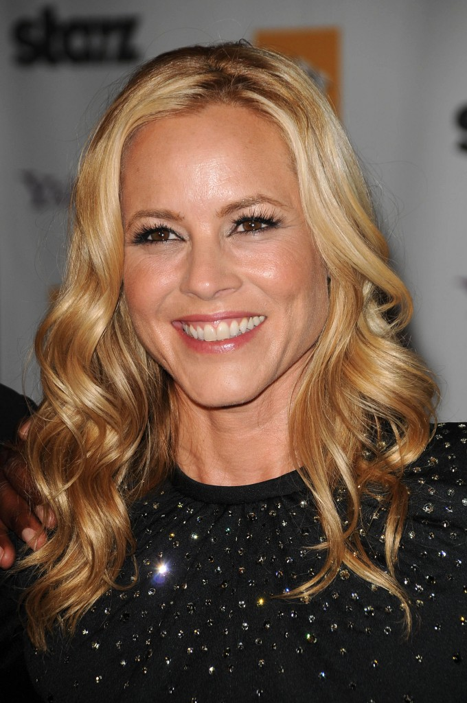 maria-bello-long-curly-hairstyle-09-680x1024