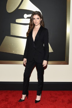 57th+Annual+GRAMMY+Awards+Red+Carpet+LWxbJHF3U5Pl
