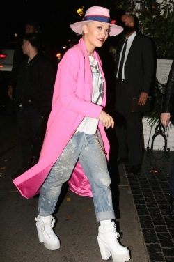 Rita-Ora-was-pretty-in-pink-as-spied-at-Chateau-Marmont-in-Los-Angeles--466x700