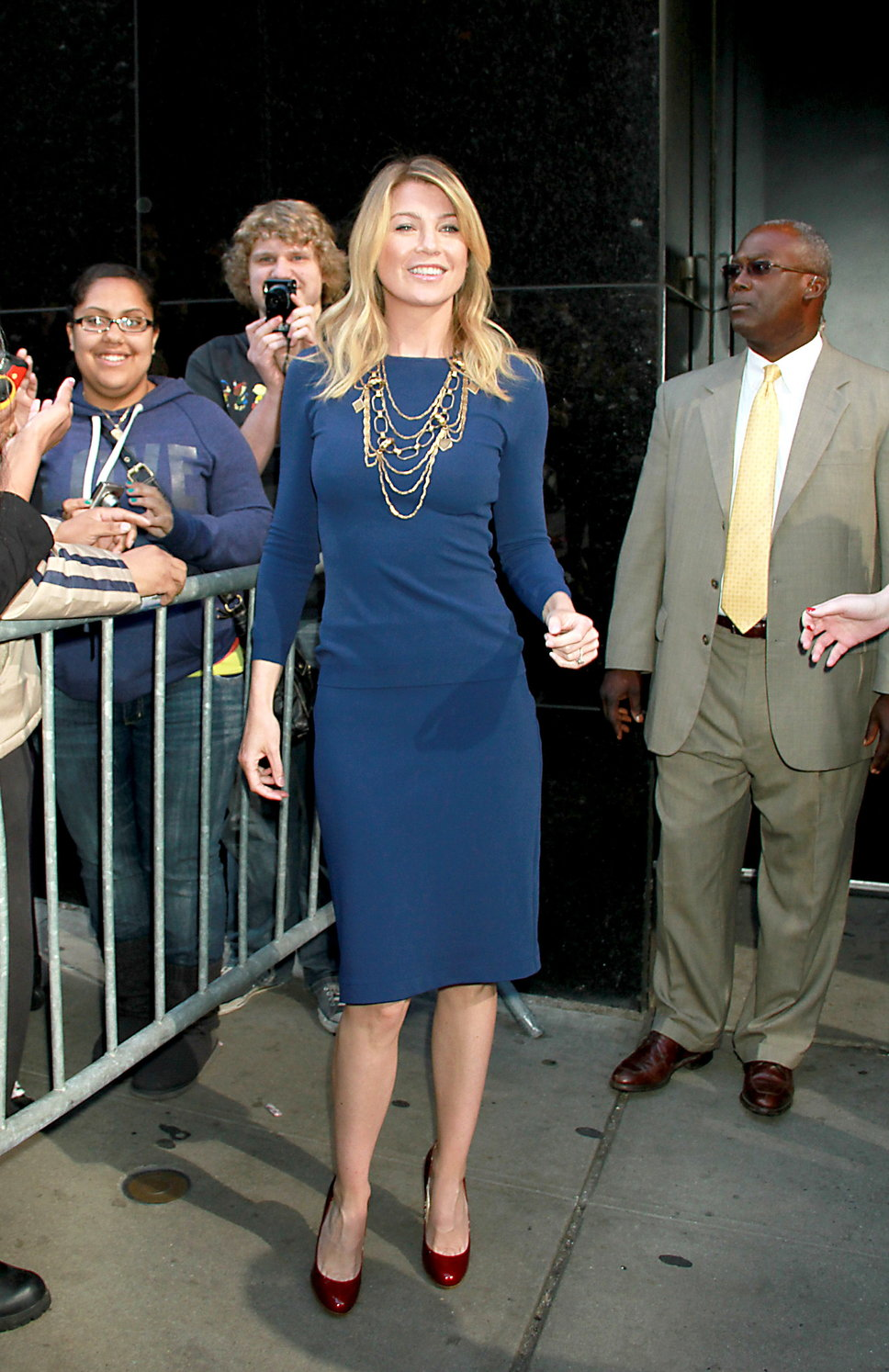 ellen_pompeo_long_sleeved_blue
