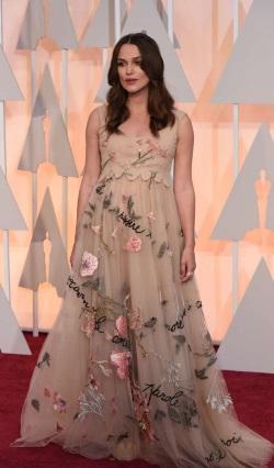 Keira-Knightley_-2015-Oscars--02-662x1129