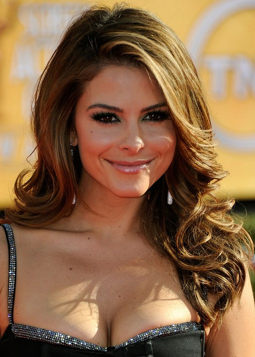 Maria-Menounos-Hairstyles-Side-parted-Waves