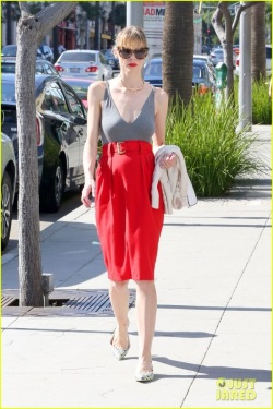 jaime-king-message-to-fans-05-467x700