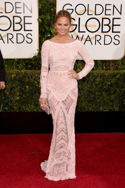 Chrissy_Teigen_72nd_Annual_Golden_Globe_Awards_AgaSVme7iimx
