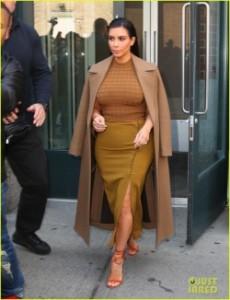 kim-kardashian-kanye-west-nyc-05-536x700