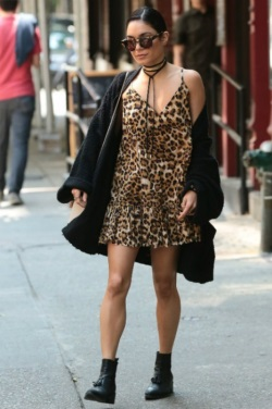 vanessa-hudgens-new-york-city-pic201309-466x700
