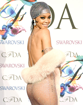 1401804628_rihanna-cfda-awards-350