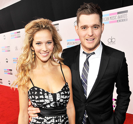 1436216425_michael-buble-luisana-lopilato-2-article