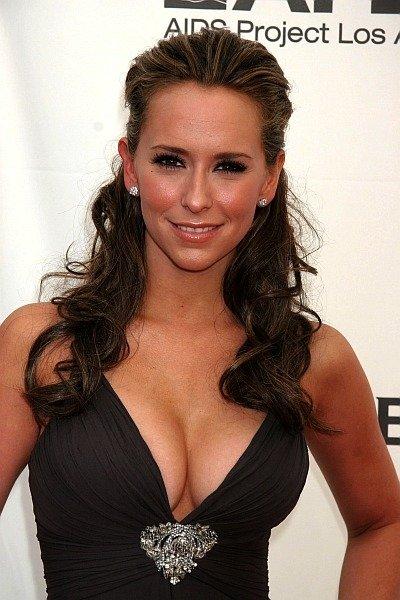 46128_Jennifer_Love_Hewitt_d_cup_breasts_122_221lo