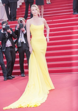 Charlize_Theron__Mad_Max_Fury_Road__premiere_during_The_68th_Annual_Cannes_FF_May_14-2015_002