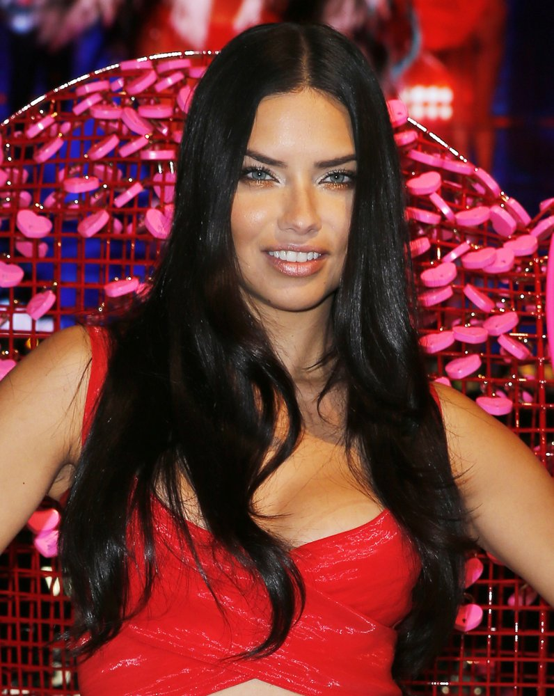 adriana-lima-shares-her-gift-picks-and-tips-01