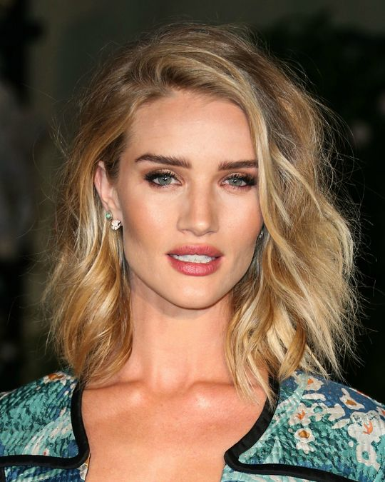 celebrity-hairstyle-ideas-rosie-huntington-whiteley-w540