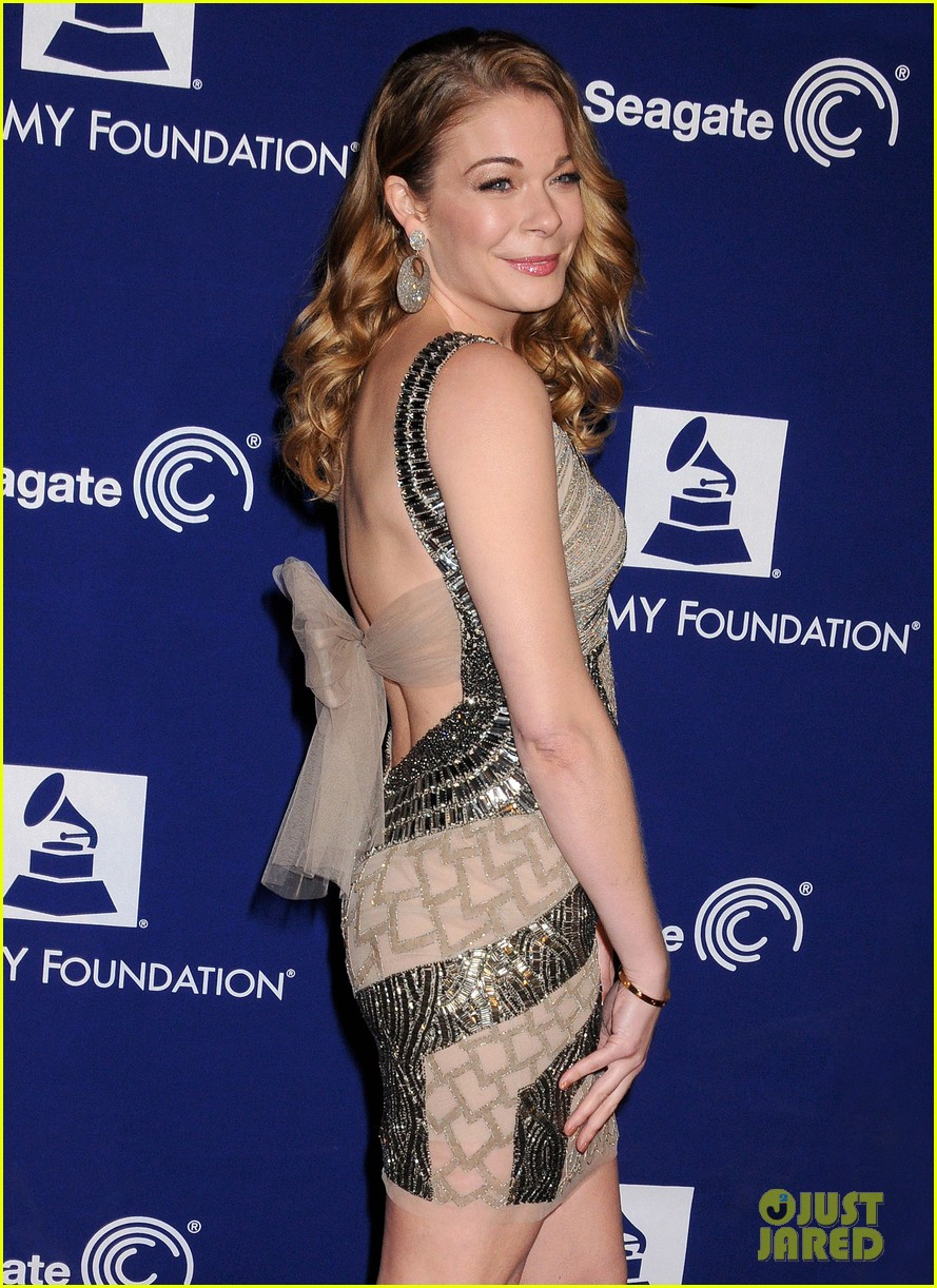 leann-rimes-grammy-foundation-play-it-forward-event-02