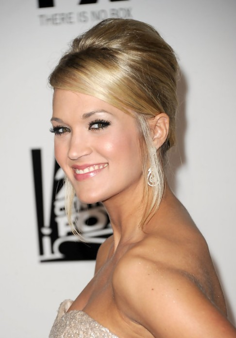 Carrie-Underwood-French-Twist-Updo-Hairstyle