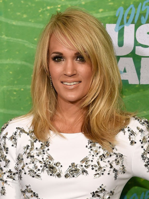 carrie-underwood-cmt-awards-2015