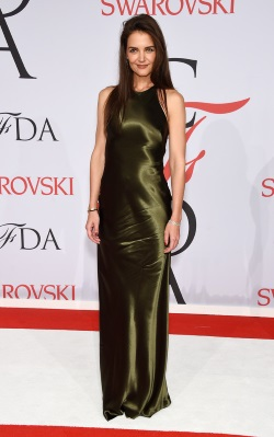 Katie_Holmes_2015_CFDA_Fashion_Awards_Inside_gd7iQw04Drzx