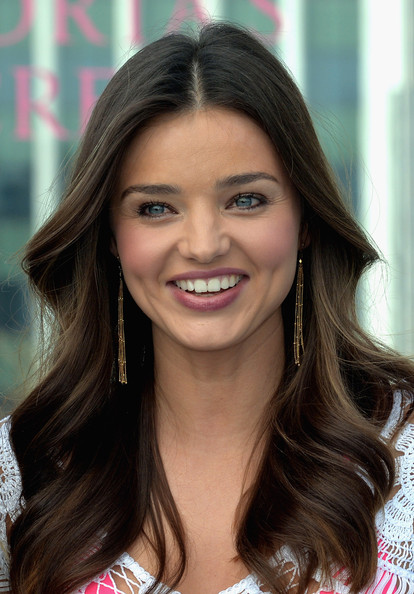 Miranda+Kerr+Long+Hairstyles+Long+Center+Part+t8AdemaBUVkl