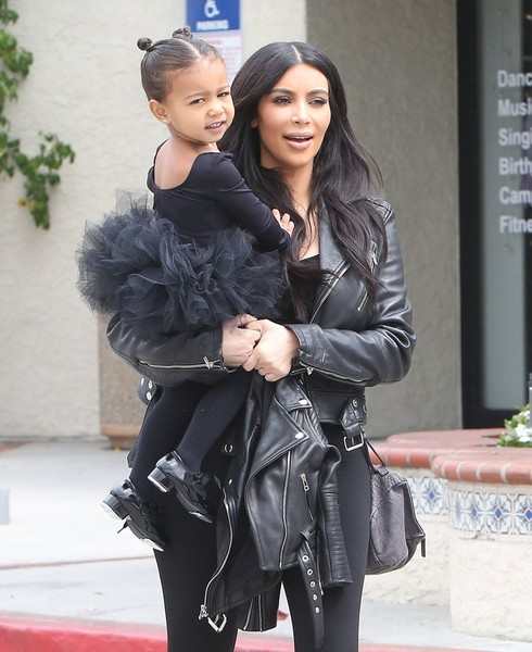 Kim+Kourtney+Kardashian+Take+Their+Daughters+ZK8IBftpyfvl