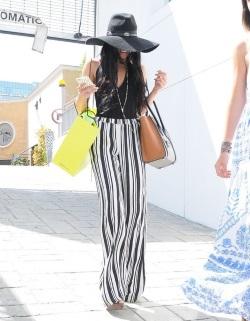Shy+Vanessa+Hudgens+Shops+Beverly+Hills+p4gtuKXDUv0l