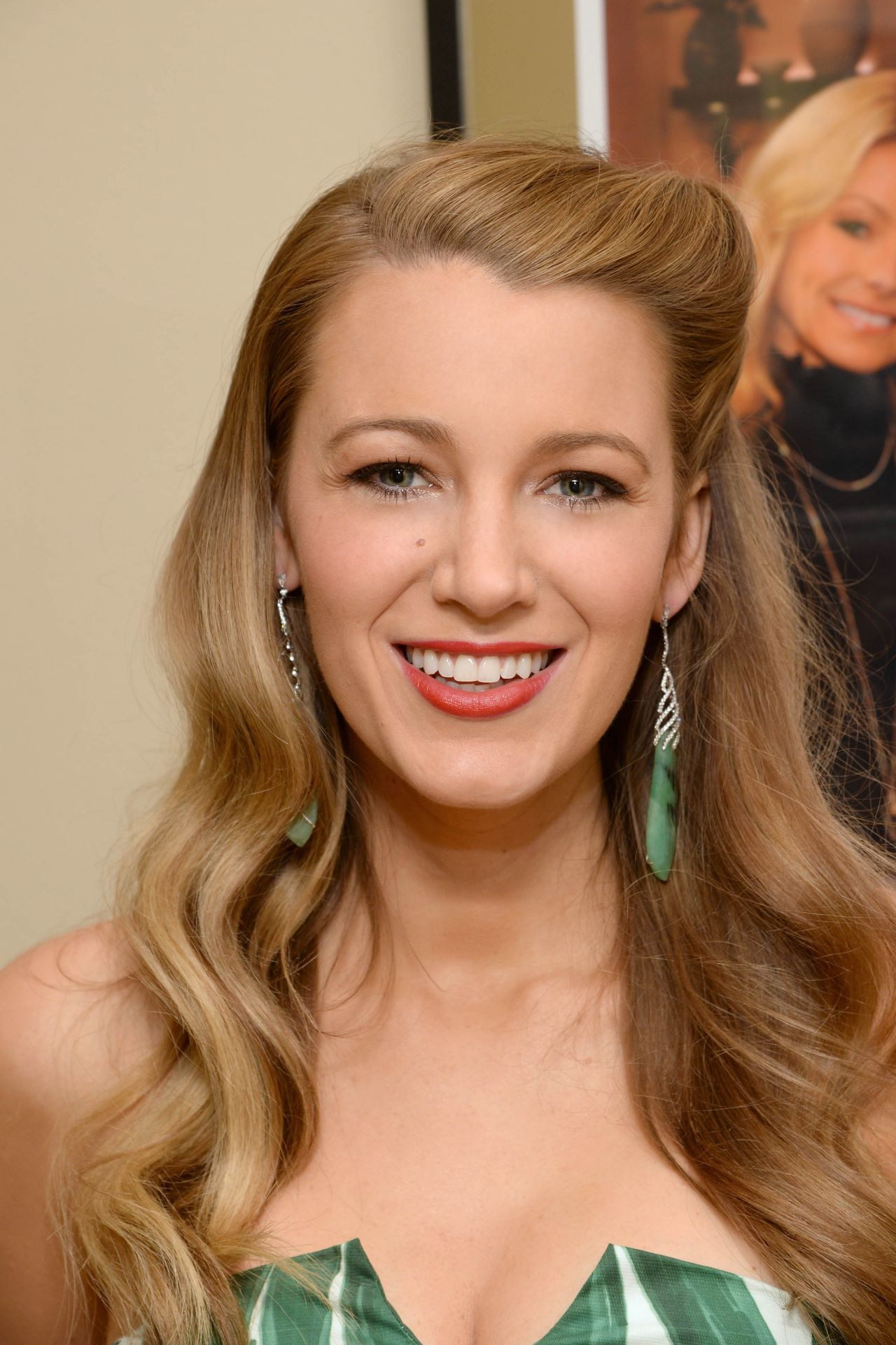 blake-lively-live-with-kelly-and-michael-backstage-photos-april-2015_6