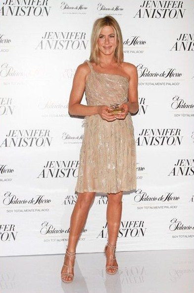 jennifer-aniston-perfume-launch-in-mexico-city1_large