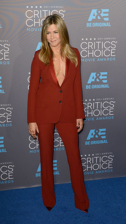 jennifer-aniston-red-suit-dress-critics-choice-awards-2015-h724