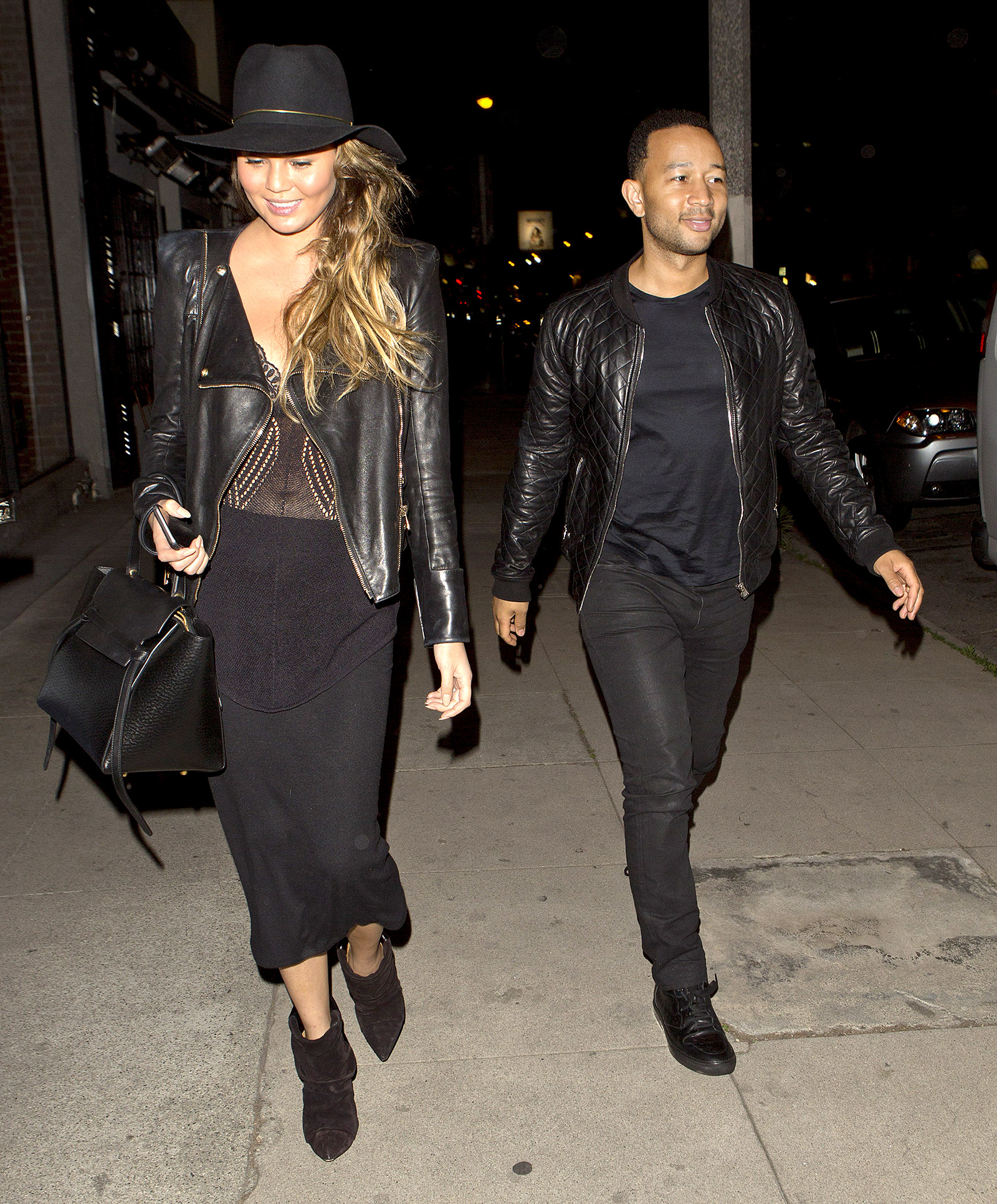 1426865261_chrissy-teigen-john-legend-zoom