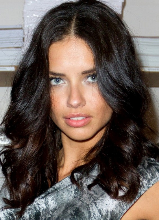 22-Adriana-Lima-Hairstyles-Photos