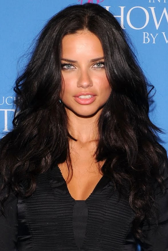 25-Adriana-Lima-Hairstyles-Photos