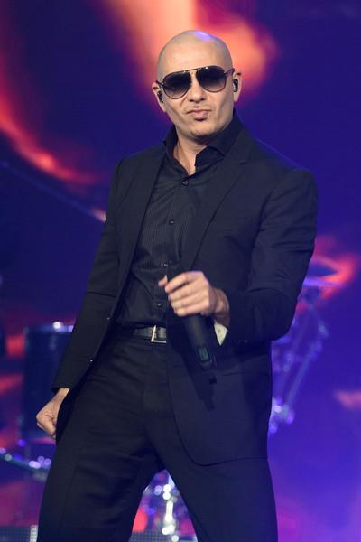 Enrique+Iglesias+Pitbull+Concert+Rosemont+BIRgeaXUKWql
