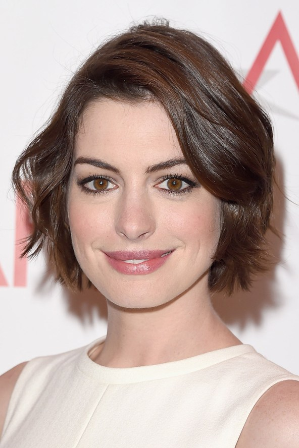anne-hathaway-glamour-12jan15-getty_592x888