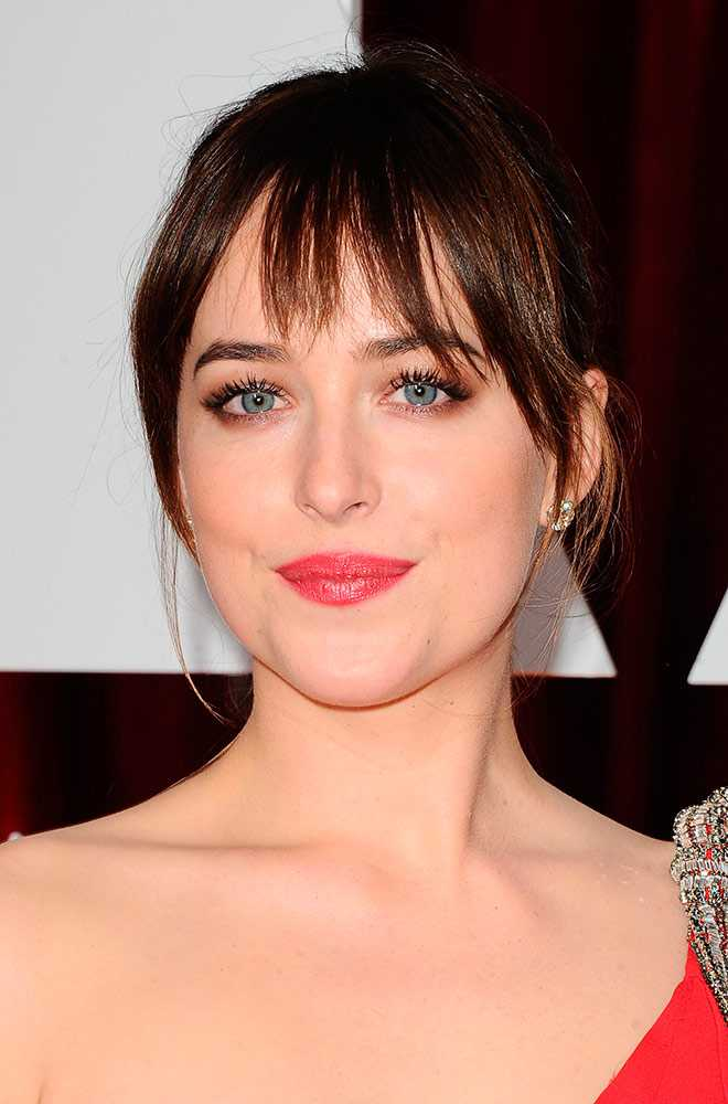 dakota-johnson-oscars-2015-rex__large