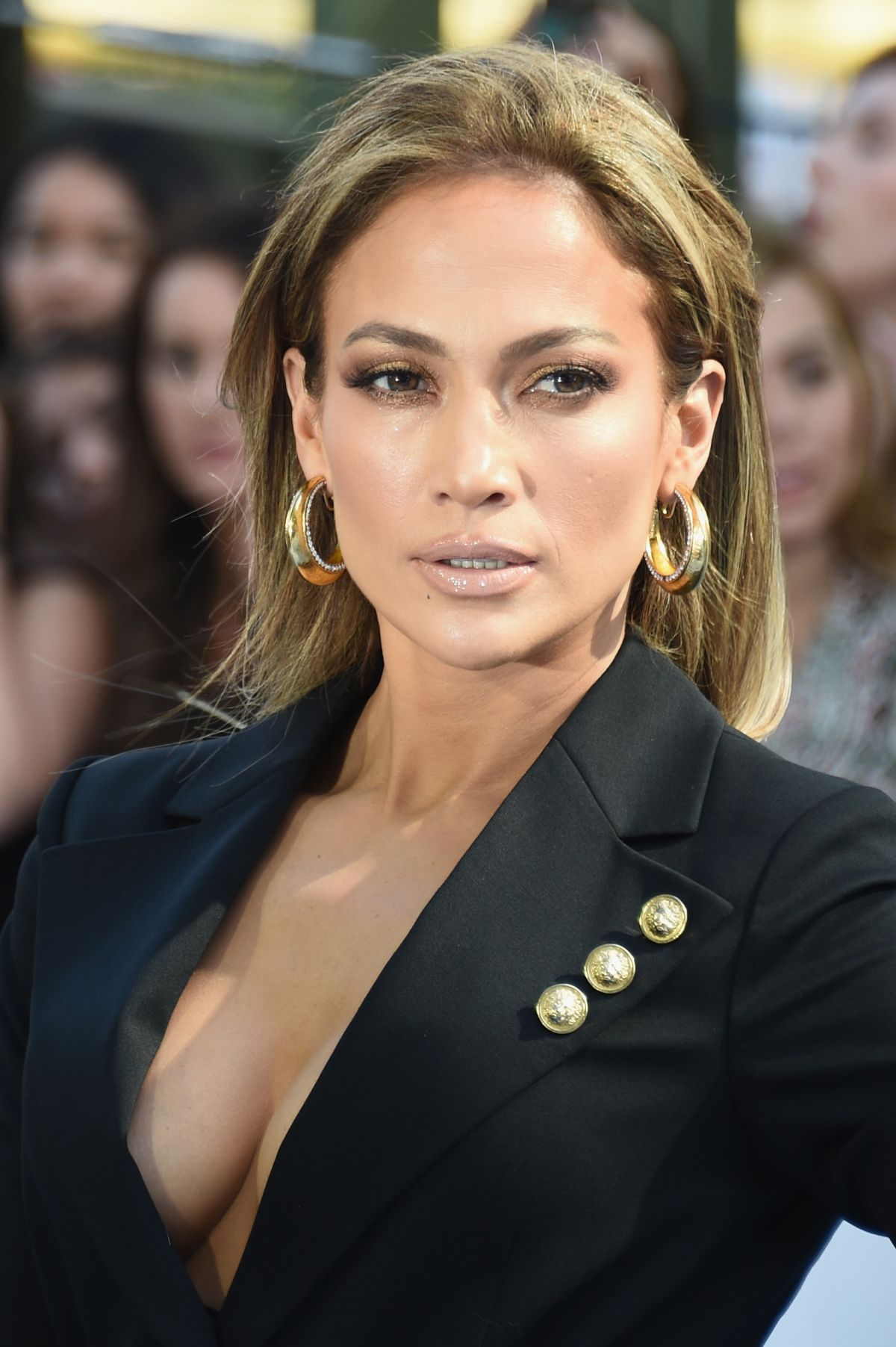 jennifer-lopez-at-2015-mtv-movie-awards-in-los-angeles_1