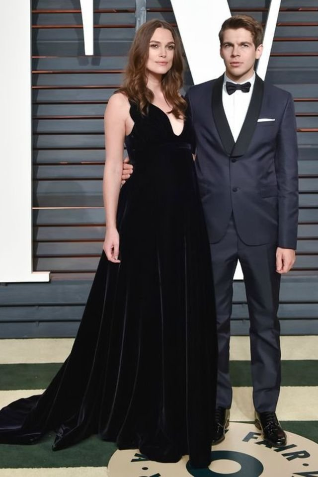 large_Oscars_2015_Fashion_-_Celebrities_at_the_Oscars_2015_After_Parties-Vanity_Fair_After_Party_-_Red_Carpet_Dresses_-_Keira_Knightley