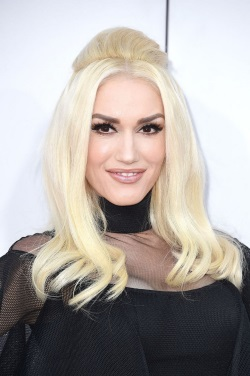 GWENSTEFANI-2015AMA-NOV2015_007