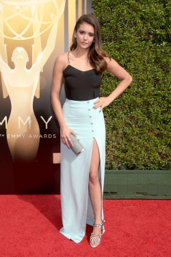 Nina_Dobrev_2015_Creative_Arts_Emmy_Awards_tqkuYem5b6Cx