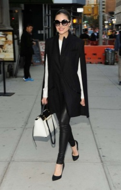 Olivia-Culpo-went-for-classic-colors-while-out-in-NYC.-445x700