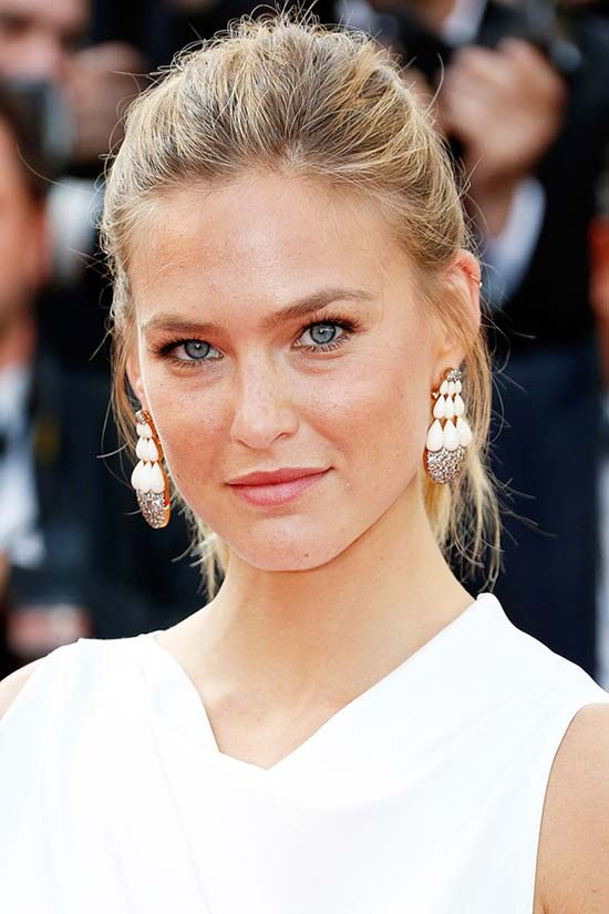 Cannes_2015_opening_ceremony_hairstyles_and_beauty_Bar_Refaeli