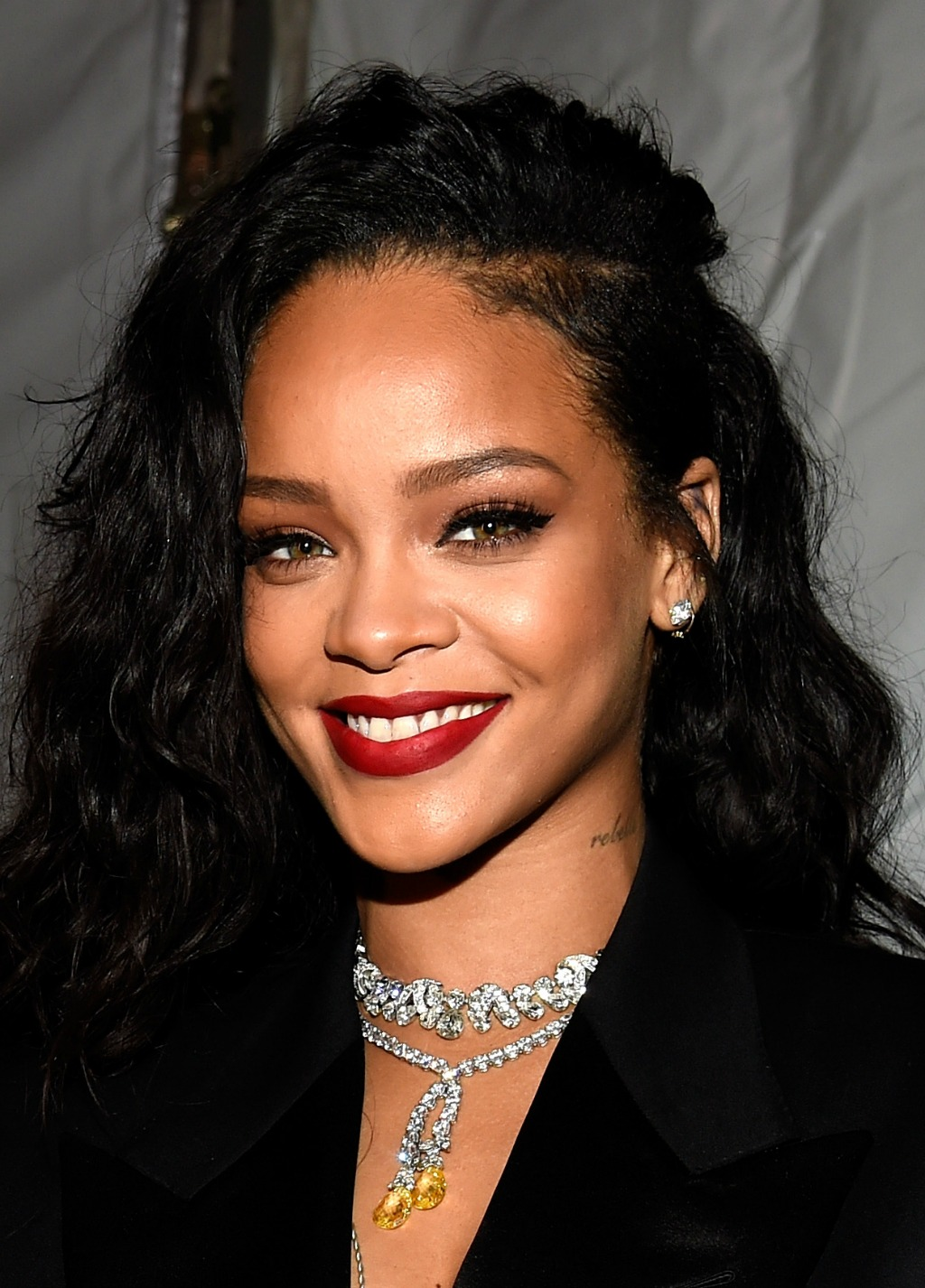 Rihanna-2015-11