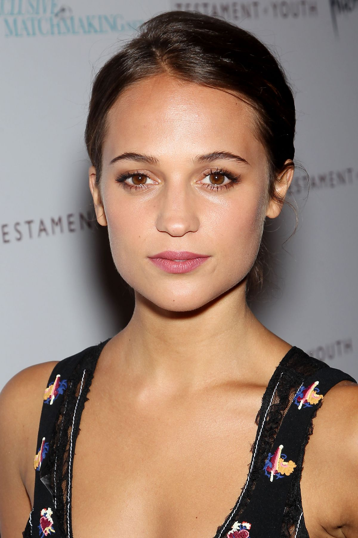 alicia-vikander-at-testament-of-youth-premiere-in-new-york_2