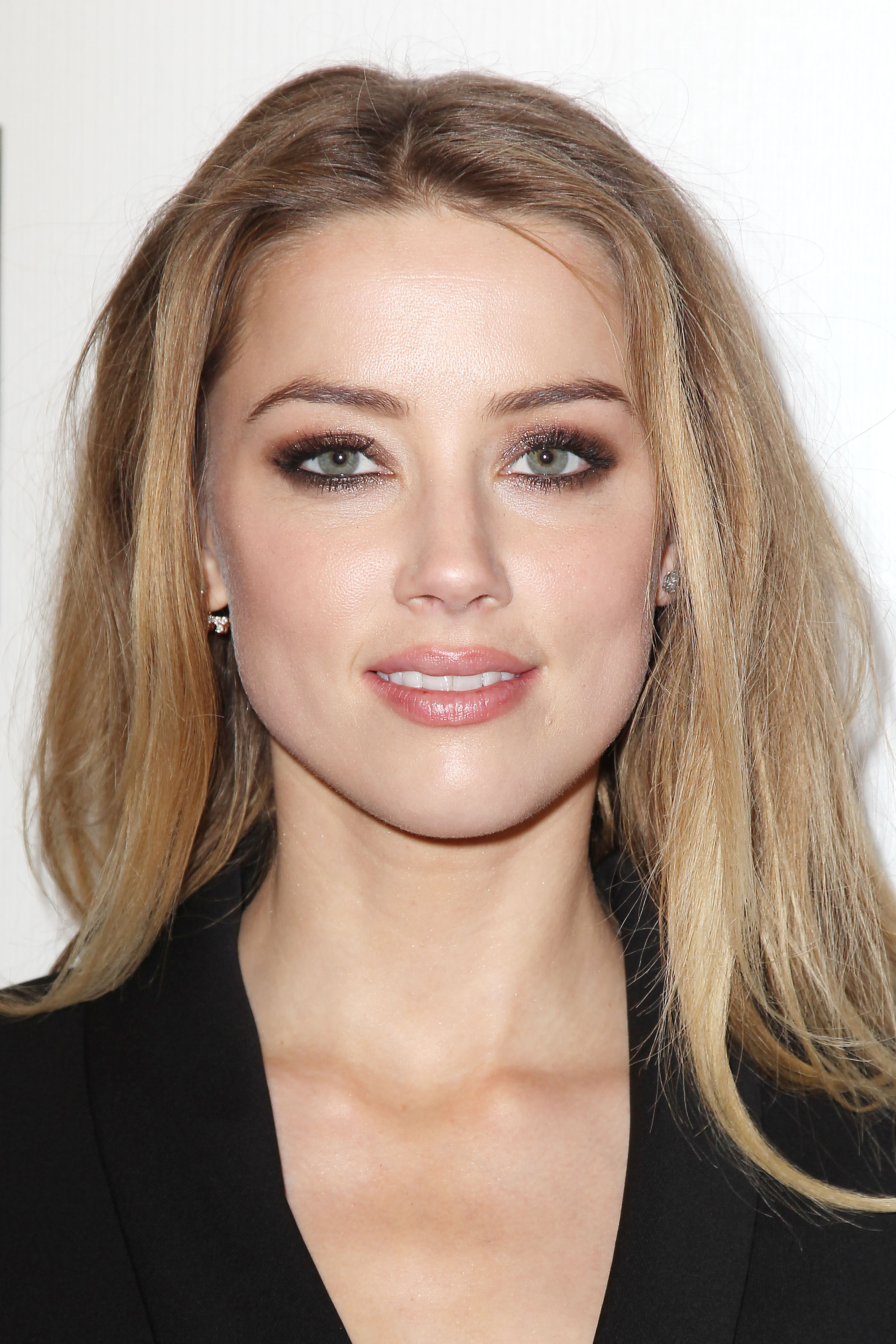 amber-heard_2015-04-16_world-premiere-of-the-adderall-diaries-at-tff_97