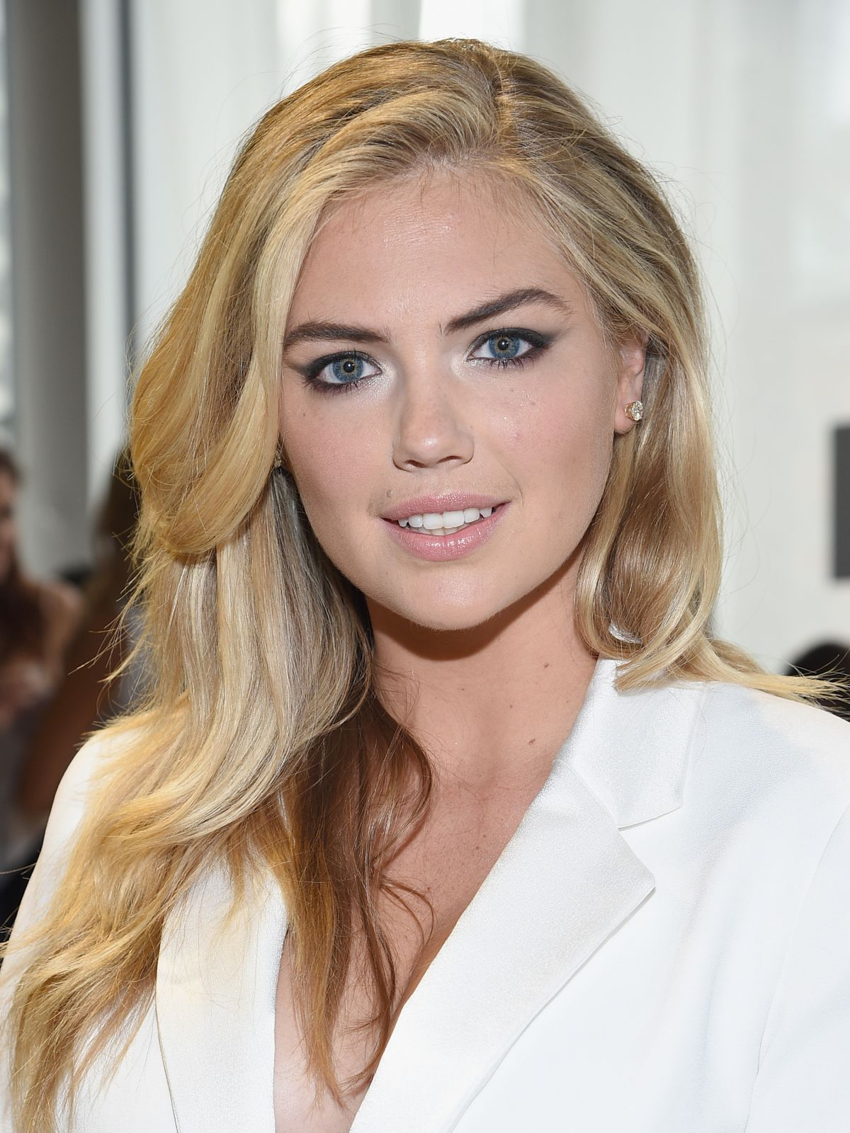 kate-upton-at-diane-von-furstenberg-fashion-show-in-new-york-09-13-2015_3