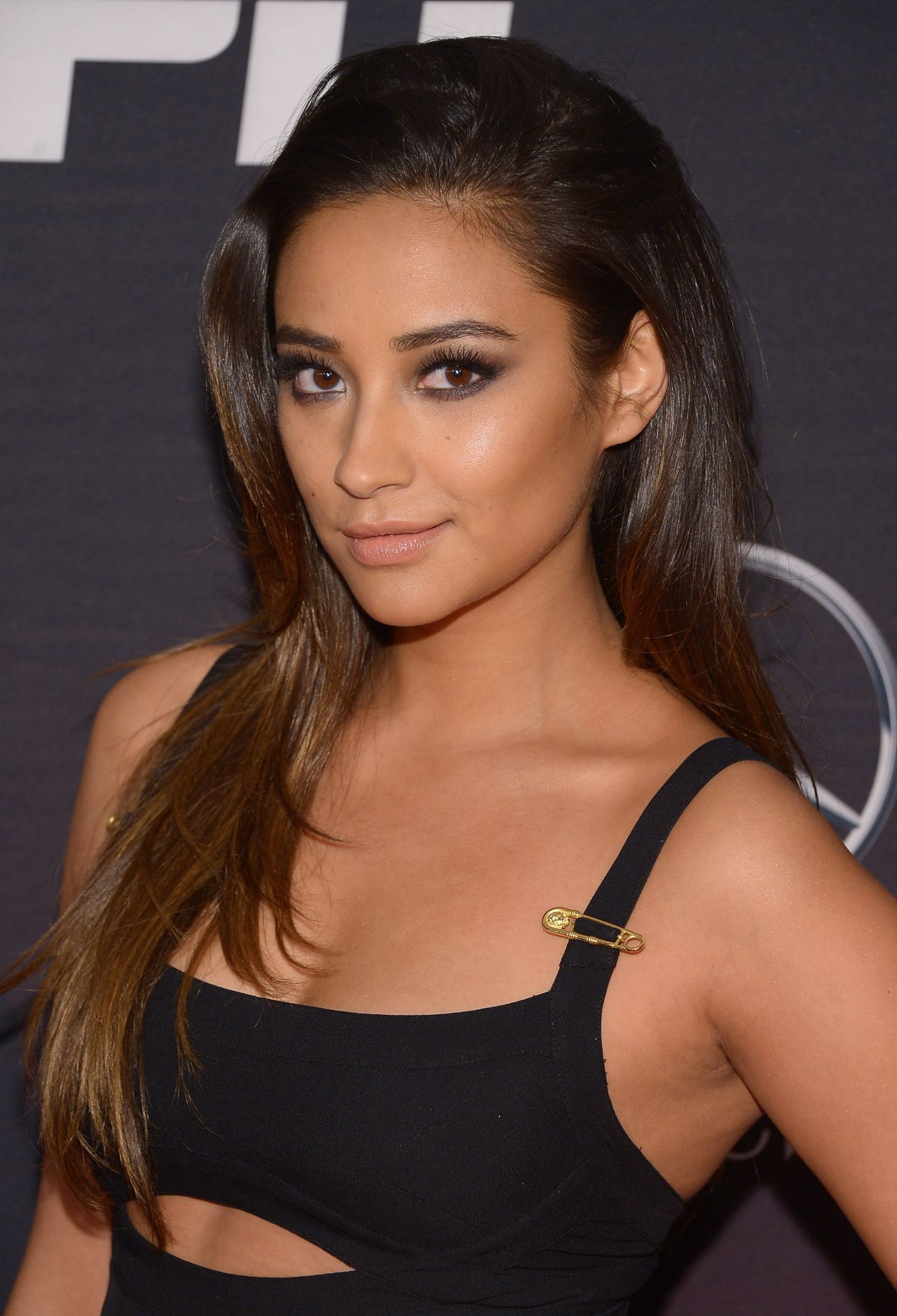 shay-mitchell-espn-the-party-in-ny-january-2014_1
